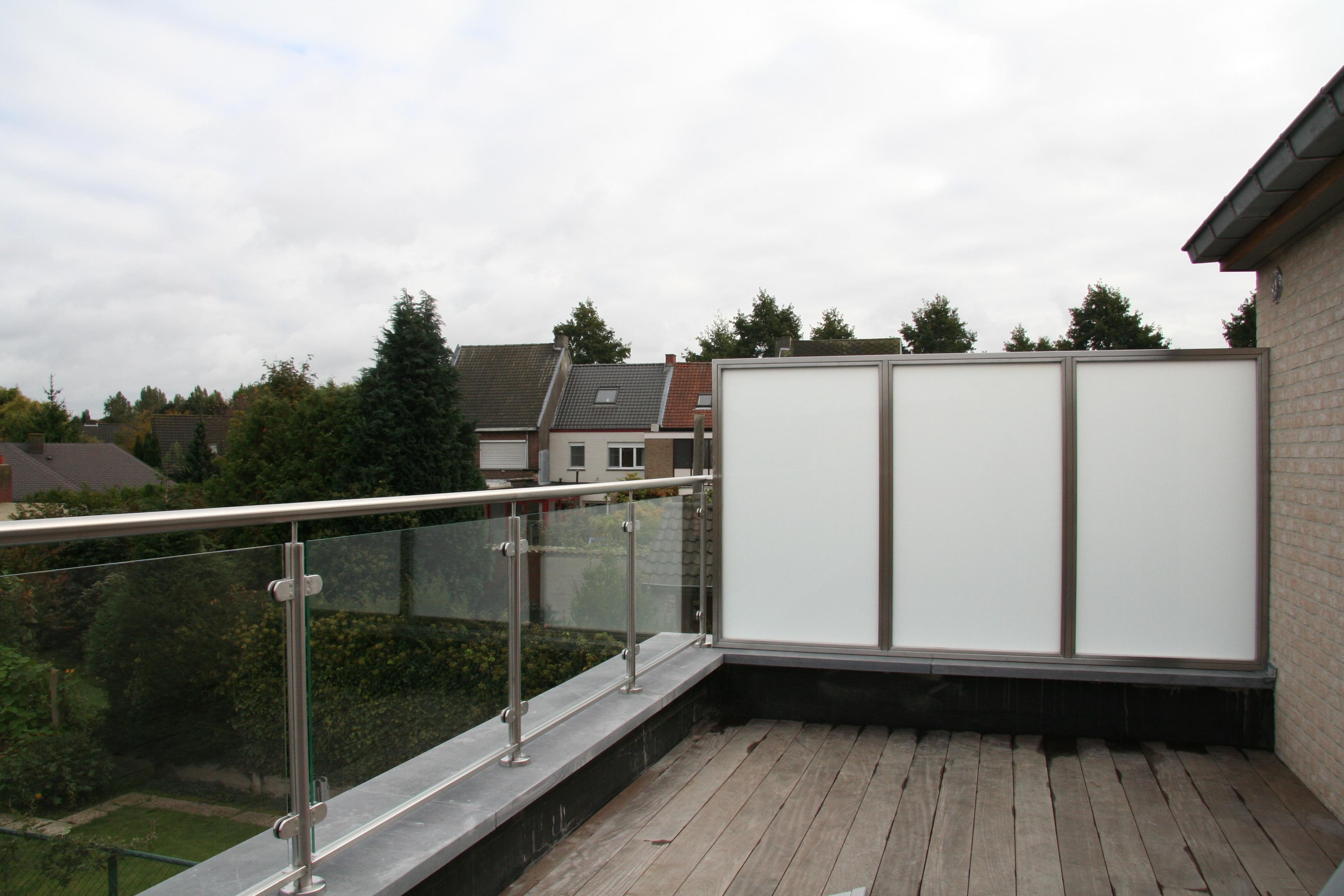 inox terrasafsluiting met glas panelen